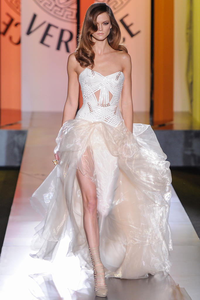 Гардероб наших леді в колекціях fashion дизайнерів - Страница 4 A48cb2a08af465d8fa05022f33c51dc5