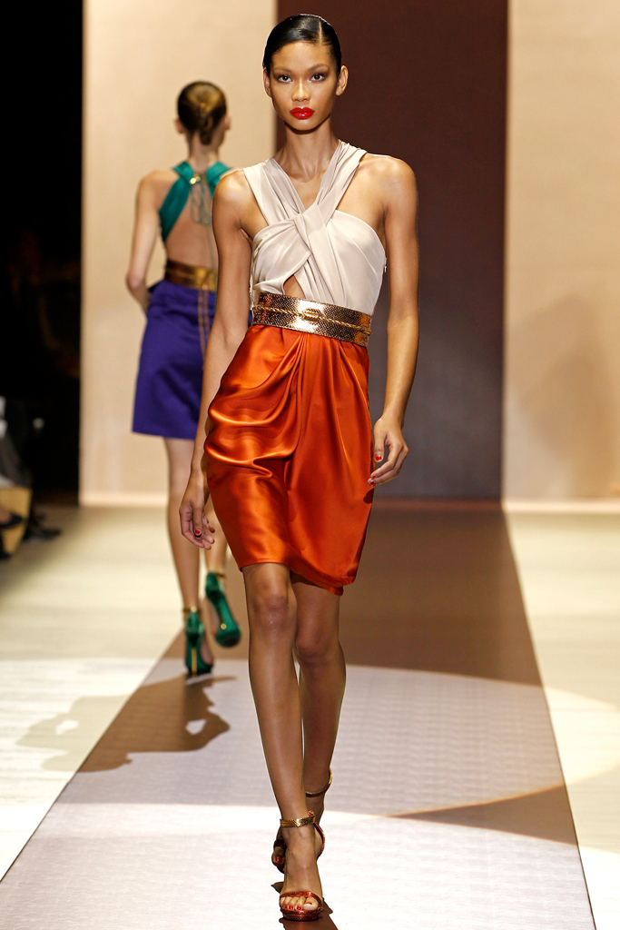 Гардероб наших леді в колекціях fashion дизайнерів - Страница 4 280f449968800d8627652902ac891421