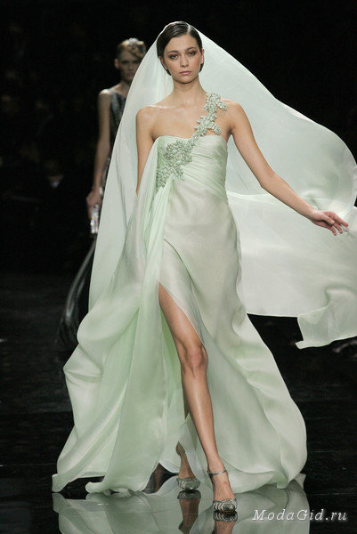 Гардероб наших леді в колекціях fashion дизайнерів - Страница 4 82b4a875d17424f4602b9d3872459177