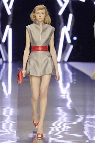 Гардероб наших леді в колекціях fashion дизайнерів - Страница 4 A6a0c958e6f792e419e07f85dd6f3e9f