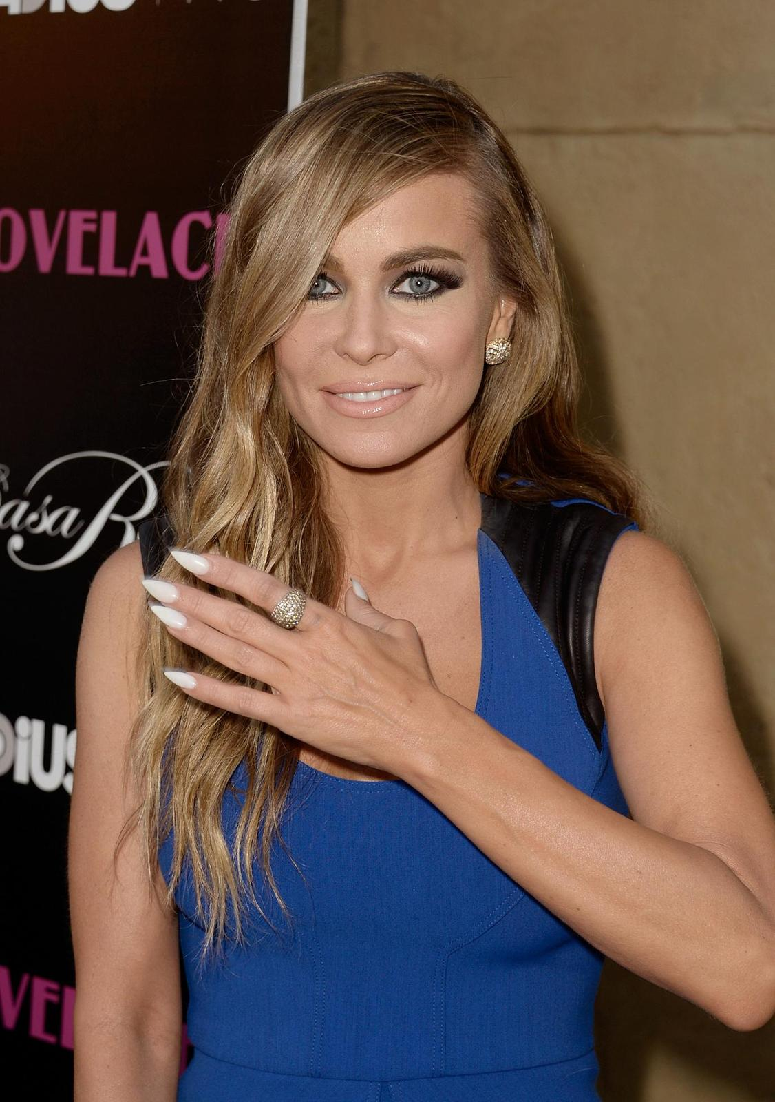 Carmen Electra in blue -Lovelace Premiere Vt1i