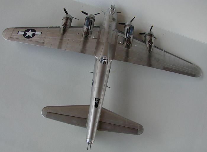 Do Božića B-17G, Academy, 1/72 DSC04377