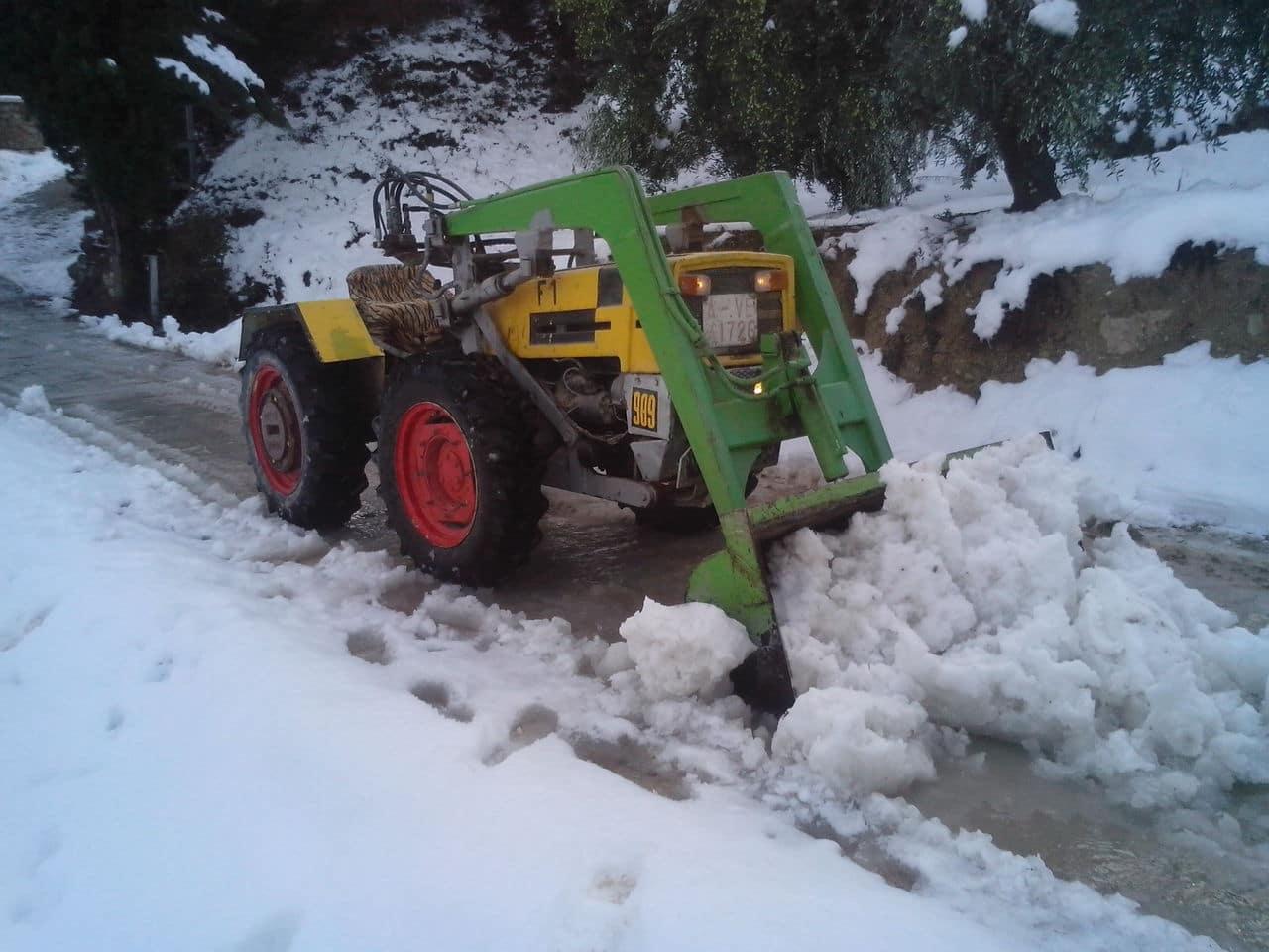 Tractores a los que tengáis cariño 989_nieve