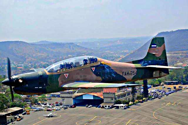 Fotos y videos de las FFAA de Honduras y equipos de los Bomberos 556057_355407721247345_874356517_n