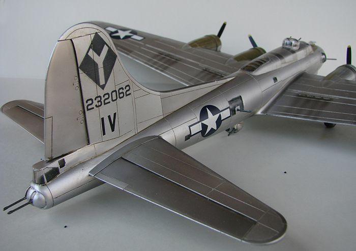 Do Božića B-17G, Academy, 1/72 DSC04367