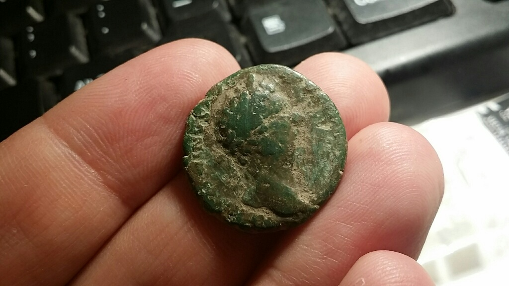 As de Marco Aurelio. TR P XX IMP III COS III - S C, Roma sedente a izq. Ceca Roma. Vero_a