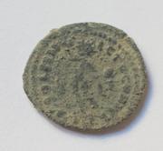 Nummus de Constantino I. SOLI INVICTO COMITI. Sol estante a izq. Folis_2