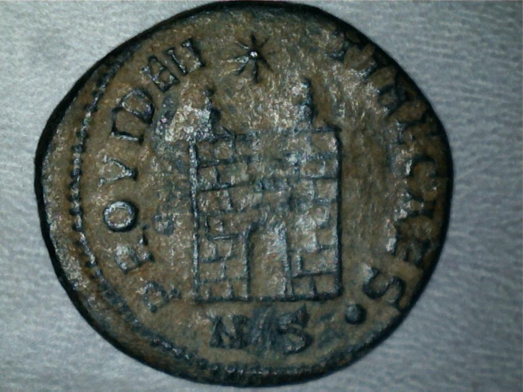 AE3 de Constancio II. PROVIDENTIAE CAESS. Nicomedia 2305