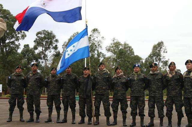 Fotos y videos de las FFAA de Honduras y equipos de los Bomberos 20258110_1653340041345554_4276173158003358289_n