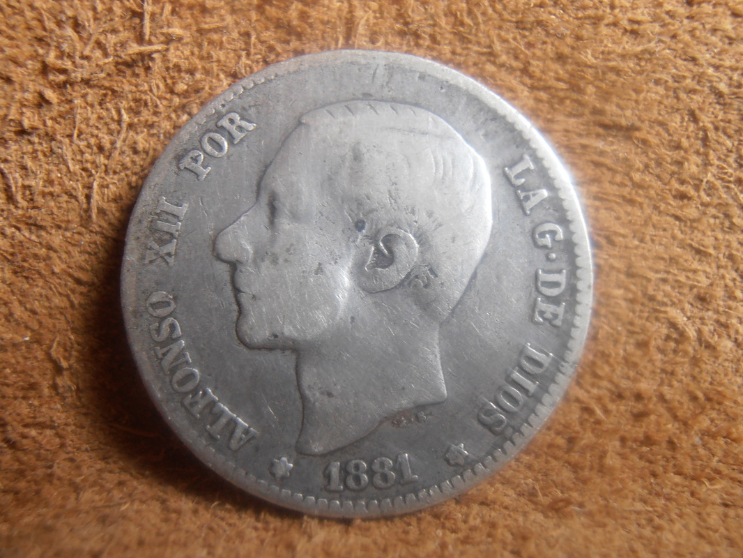 1 Peseta 1881. Alfonso XII. Variante oreja rayada P2190001