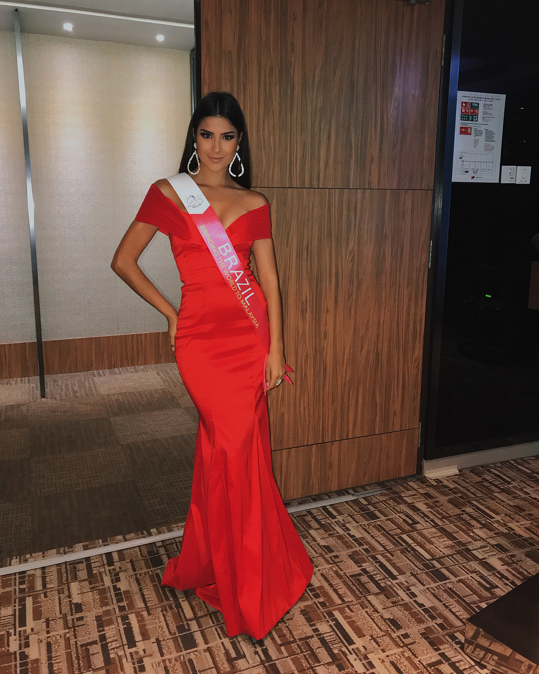 julia horta, miss brasil universo 2019/top 2 de reynado internacional cafe 2016, top 5 de miss tourism international 2017. - Página 6 23735069_1693842624012499_1739885943030022144_n