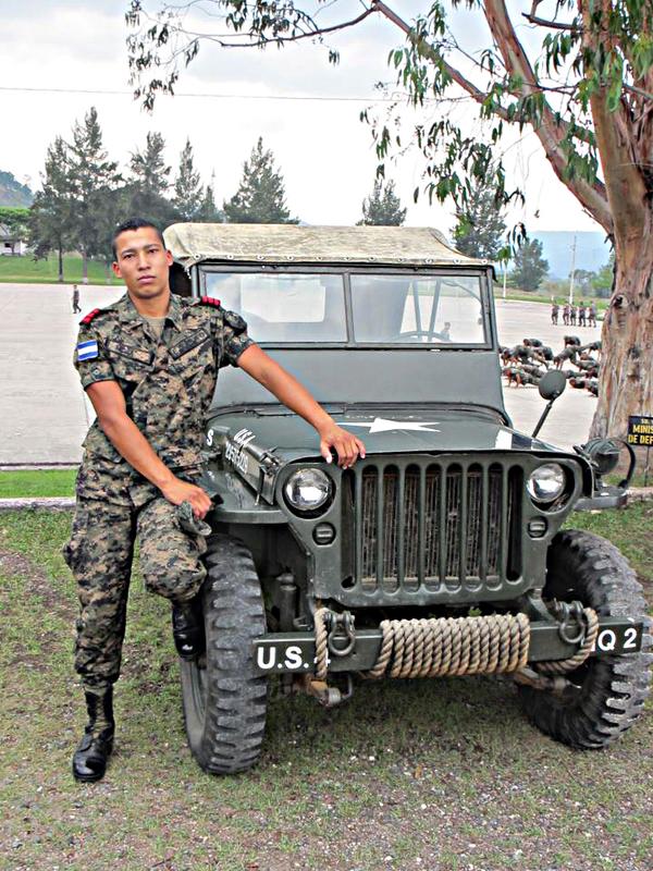 Fotos y videos de las FFAA de Honduras y equipos de los Bomberos 545657_319545604791640_237408378_n