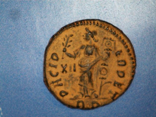 AE3 de Constantino I Magno. PACI P-ERPET. Pax estante a izq. Ceca Roma. 2017_02_17_0002_0_X