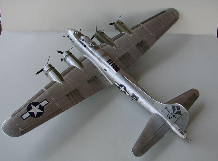 Do Božića B-17G, Academy, 1/72 DSC04361