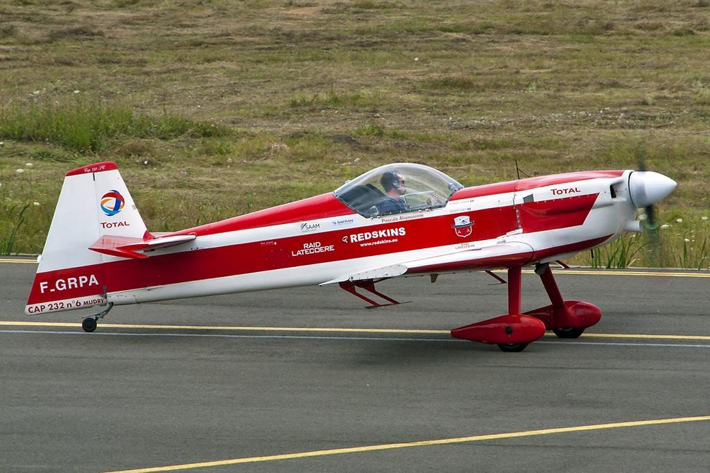 Aeroportul Arad - Iulie 2015   Raw00043sa1200viv