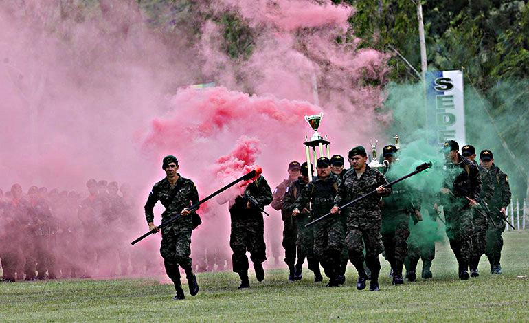 Fotos y videos de las FFAA de Honduras y equipos de los Bomberos EN-_PARAGUAY-3