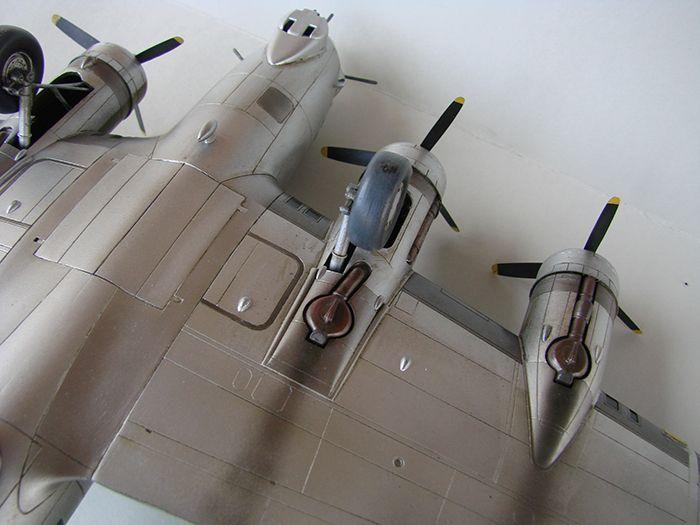 Do Božića B-17G, Academy, 1/72 DSC04379