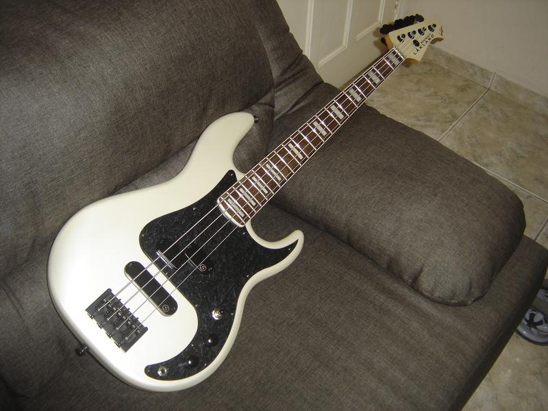 Precision Bass 4 cordas - GusVCD DSC04548