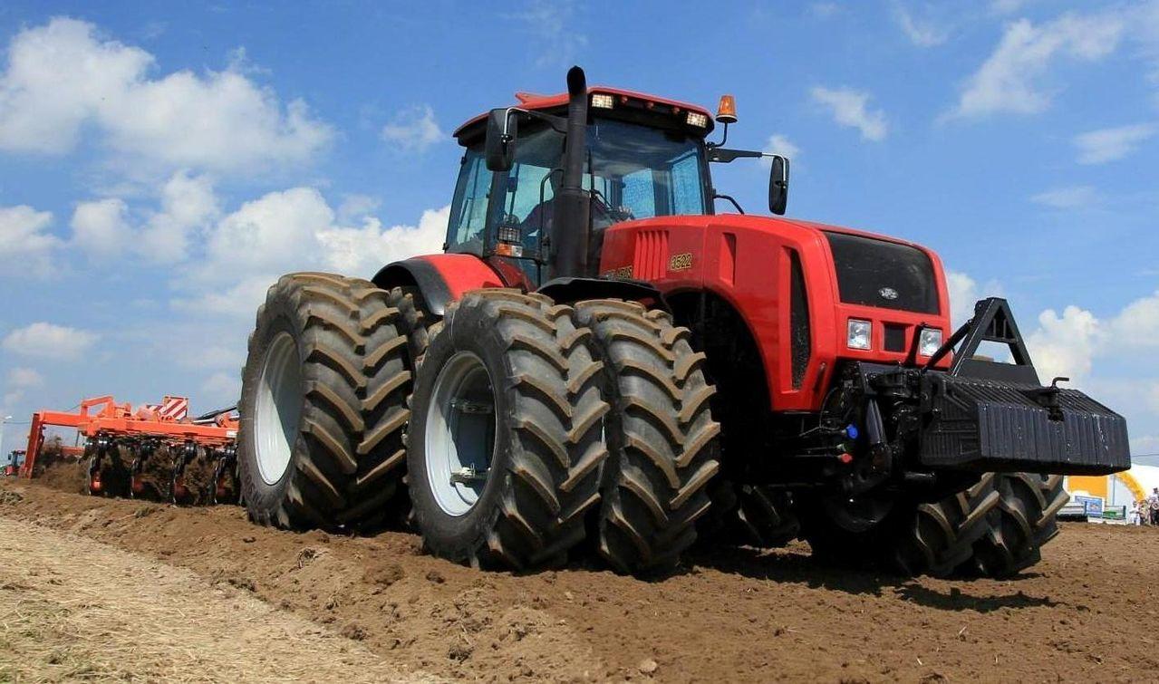 Hilo de tractores antiguos. - Página 2 Belarus_1500