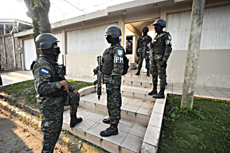 Fotos y videos de las FFAA de Honduras y equipos de los Bomberos Dt.common.streams.Stream_Server_3