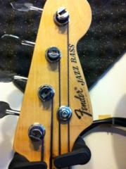 Ajuda para tentar identificar um JB Fender_cabrito