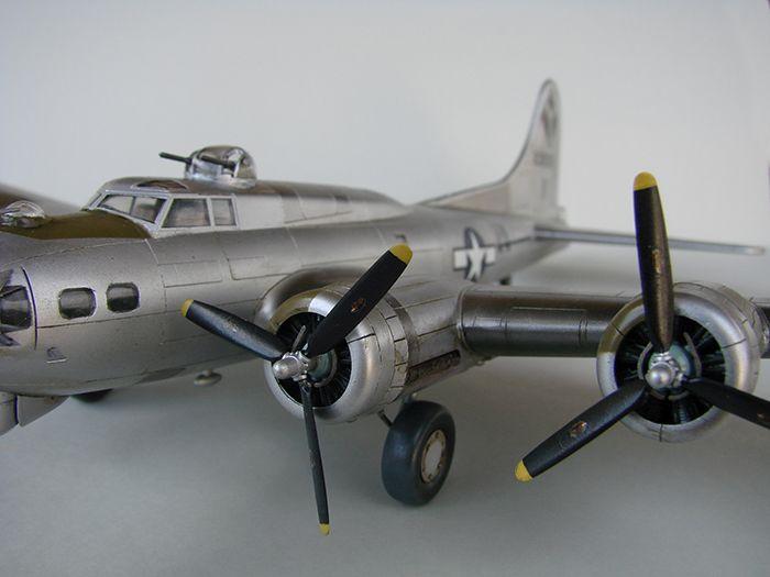 Do Božića B-17G, Academy, 1/72 DSC04372