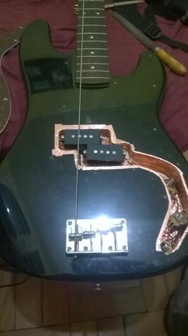 Eu mesmo Luthier no meu Precision Squier - Processo e dúvidas WP_20140727_002