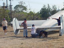 El Museo del Aire de Honduras . Thump_6304061cola-at-11