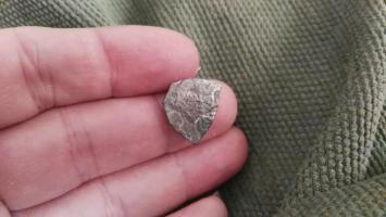 Ayuda con moneda de plata recortada Thump_95646306