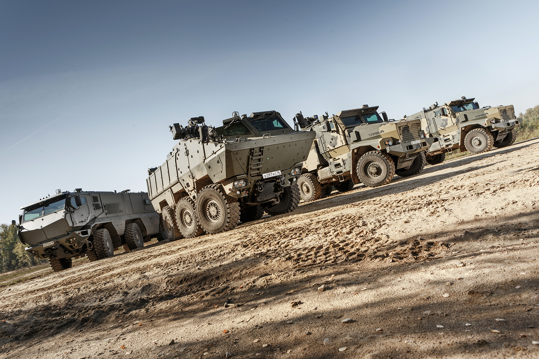 Typhoon MRAP family vechiles - Page 6 0L1O3