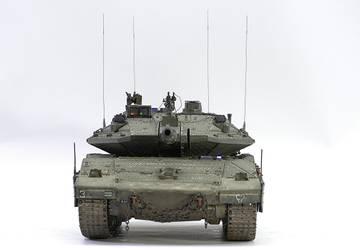 Merkava IV Hobby Boss 1/35 Km7y0