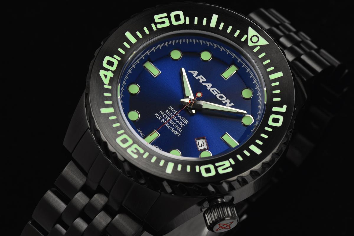 Aragon Divemaster EVO Automatic in 45mm IP black. A253_BLU-5