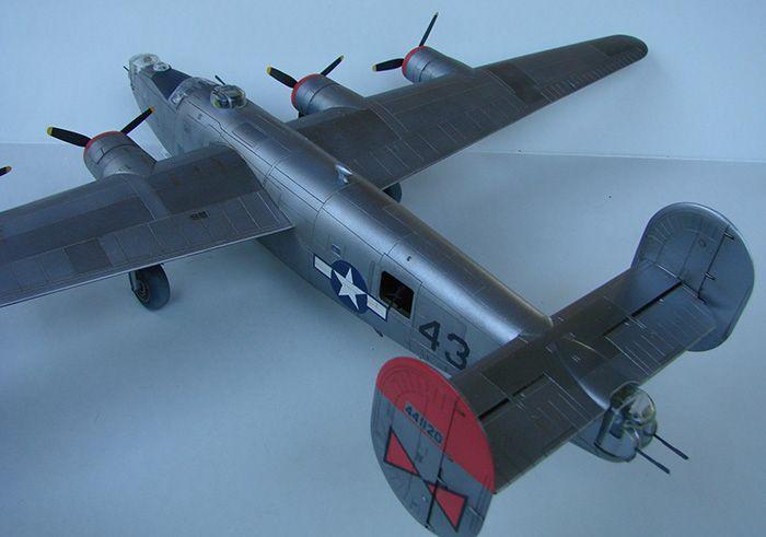 B-24J Liberator, Academy, 1/72 DSC04865