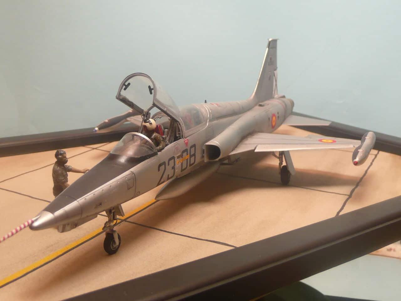 Northrop F-5B 1/48 Classic Airframes P1080108
