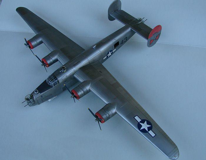 B-24J Liberator, Academy, 1/72 DSC04863