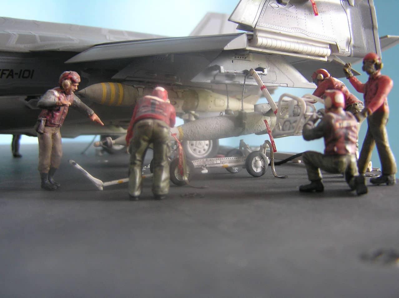 "F-35C  1/48 ... H  ""αεροπλαναρα""  !!! - Σελίδα 4 Ab1"