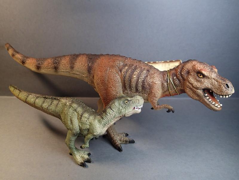 Two new medium sized Bullyland  Museum Line models 2016 : T-Rex and Liopleurodon, walk arounds Bully_Trex_Compare_zpsebjgc2wv