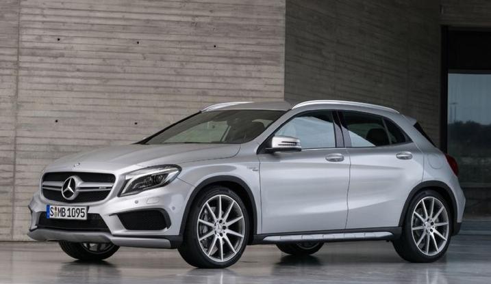 Mercedes-AMG CLA 45 e GLA 45 agora dispõem de 381 cv Frente