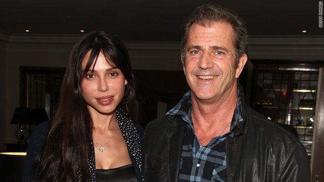 Mel Gibson - Página 2 T1larg_oksana_mel_gi