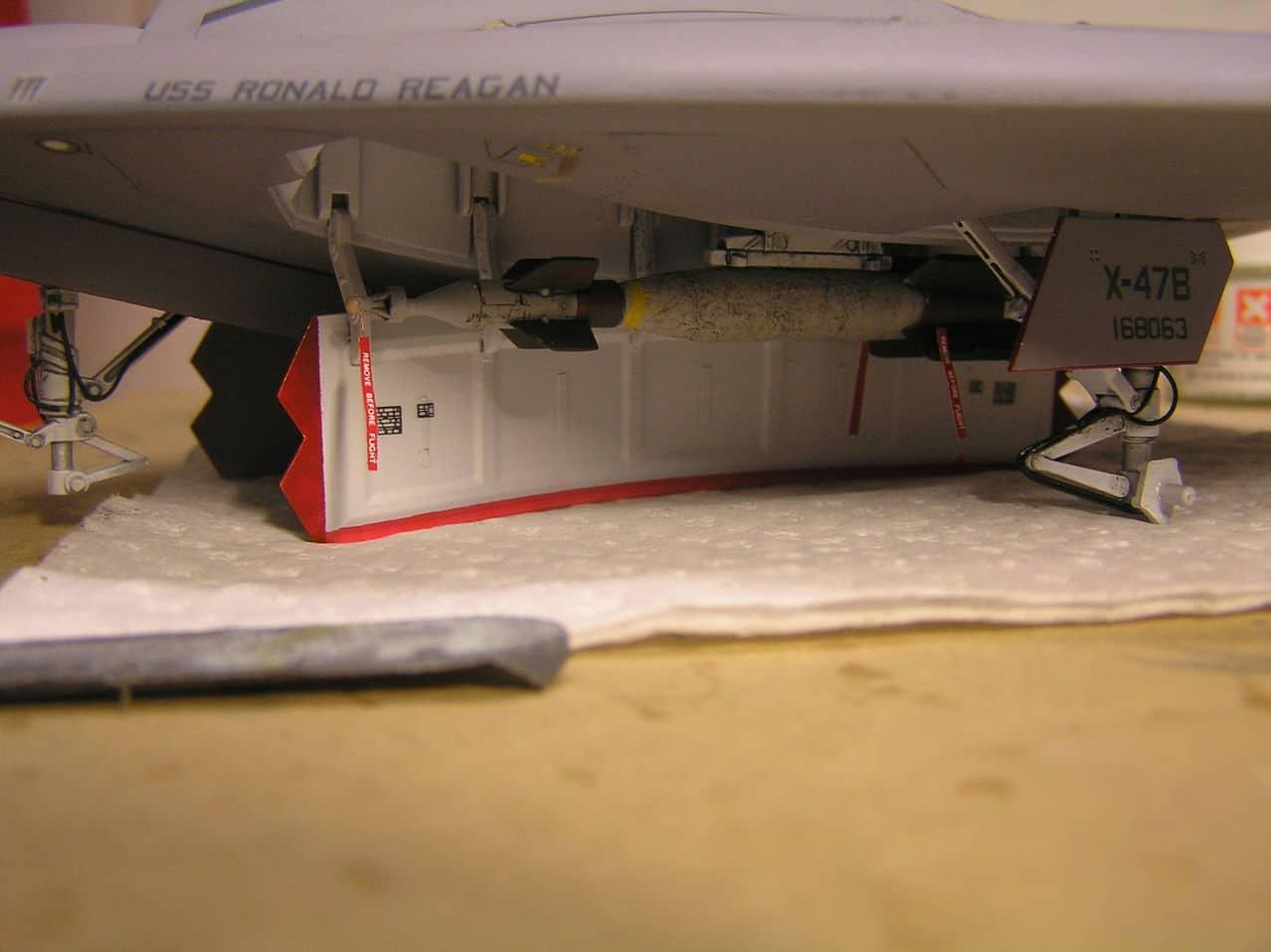 Χ-47Β  1/48...και τα μυαλα στα καγκελα!!! - Σελίδα 2 P1010001_3