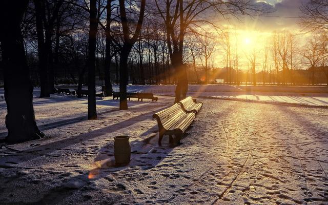 klupa nekoga čeka - Page 5 Winter_park_sunset_bench_snow_sun_wallpapers_by