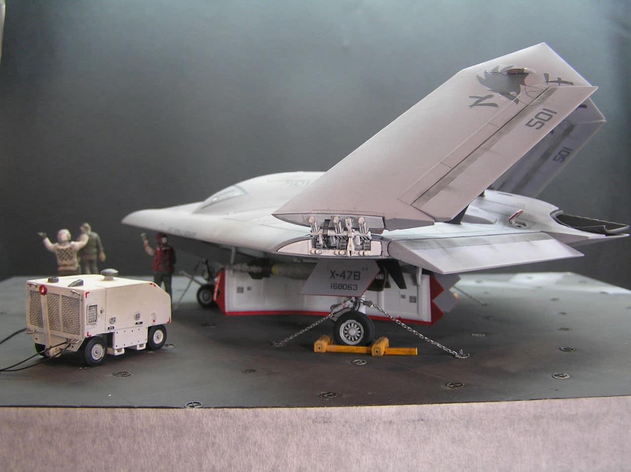 Χ-47Β  1/48...και τα μυαλα στα καγκελα!!! - Σελίδα 2 P1010038
