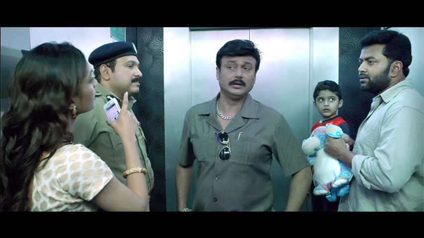 New Malayalam Blu Ray/DVD/ VCD Releases - Page 5 Vlcsnap_2013_09_11_19h29m00s120