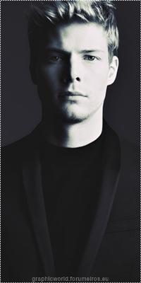 Hunter Parrish Image