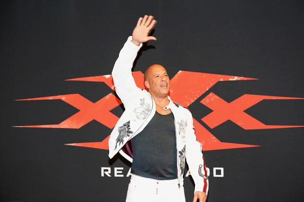 Vin Diesel - Página 8 X_Xx_Return_Xander_Cage_World_Premiere_St_Kfa_j3q_L