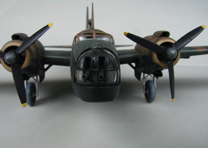 Vickers Wellington Mk.X, Revell, 1/72 DSC04682