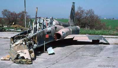 Northrop F-5B 1/48 Classic Airframes Northrop_F_5_Freedom_Fighter_Crash_1