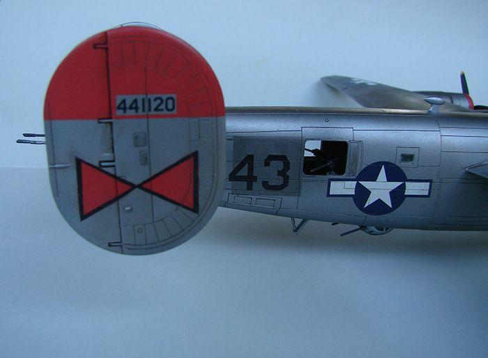 B-24J Liberator, Academy, 1/72 DSC04867