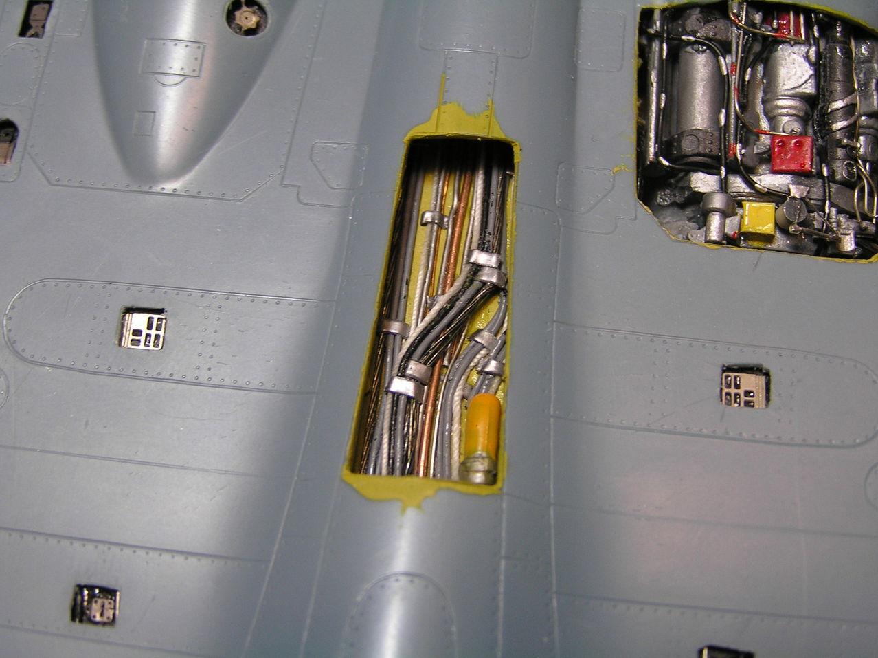 ...καπως ετσι αρχισαν ολα...Su-27  και τα μυαλα στα καγκελα... P1020125