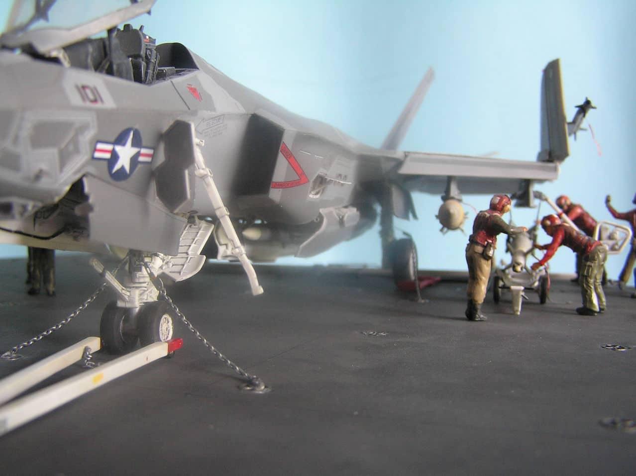"F-35C  1/48 ... H  ""αεροπλαναρα""  !!! - Σελίδα 4 Ab3"